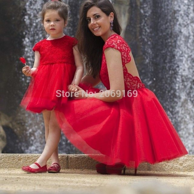 Cheap Red Short Flower Girls Dresses Backless Lace Cap Sleeve Daughter Mother Matching Dress For Party O Neck Puffy Tulle Gowns