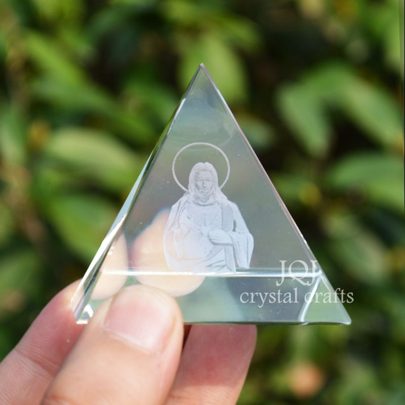 3D Laser Engraved Priest Figurine Crystal Crafts Glass Father Miniature Religious Gifts House Ornaments Home Decor