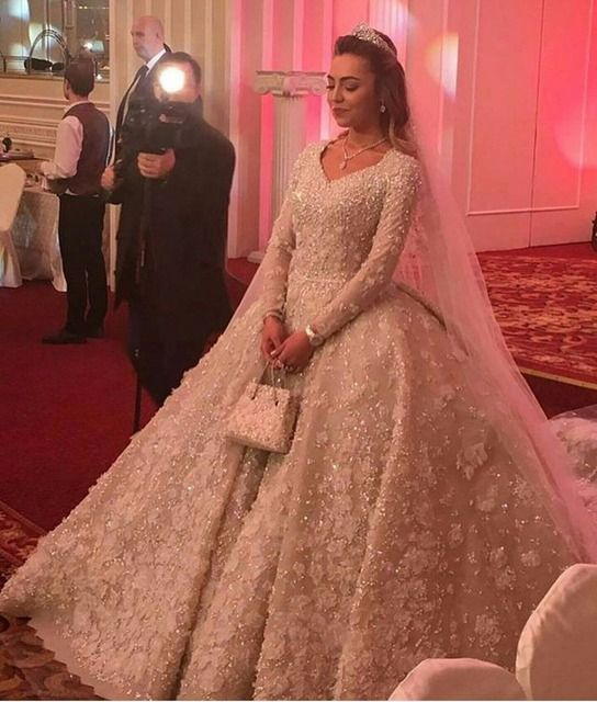 2017 Wedding Dresses Real Image Long Sleeve Muslim Wedding Gowns Flowers Appliques Fancy Vestido De Noiva Casamento V-Neck Lace