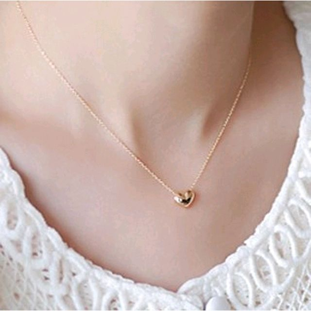 New design Simple Fashion jewelry women short accessories Elegant Lovely Gold Heart Shaped pendant necklace girl gift wholesale