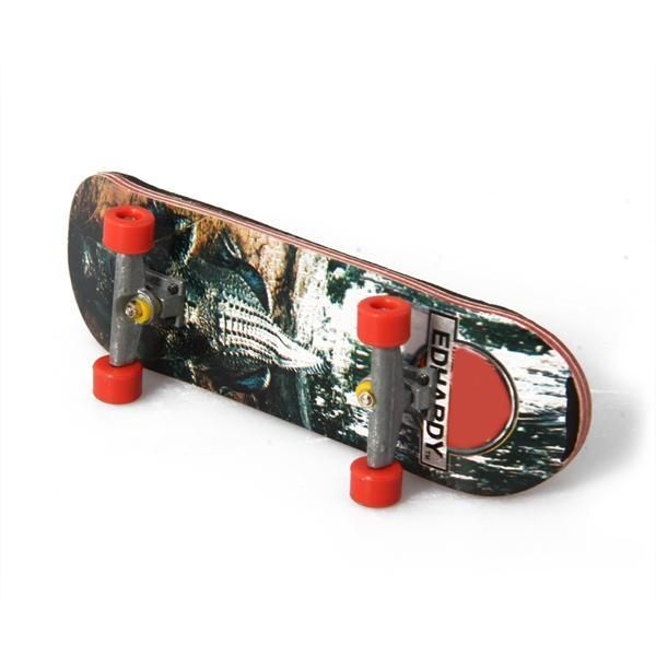 HT00640 Wooden Finger Fingerboard Skate Board + Screwdriver Random Pattern