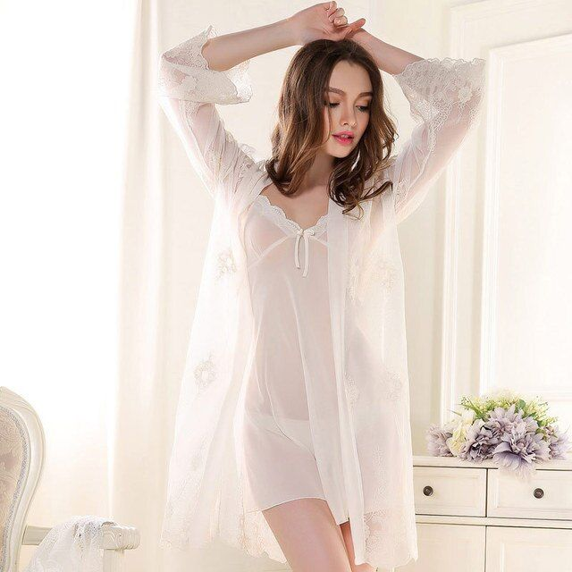 Sexy 2017 New Arrival Brand Lace Robe & Gown Set Plus Size Two Piece Suspender Sleepwear Dress + Bathing Robe Hot Sale