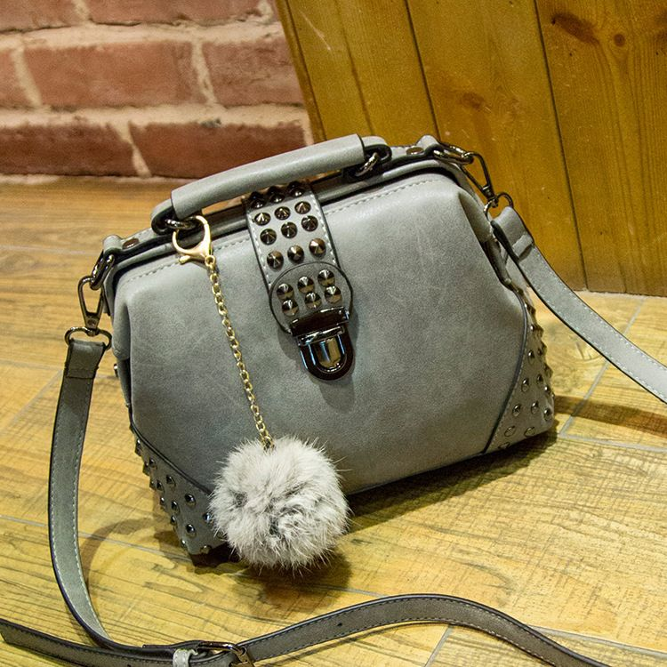 Ylqp Brand New women small shoulder messenger bags doctor bag rivet handbags ladies vintage PU tote bag bolsas femininas
