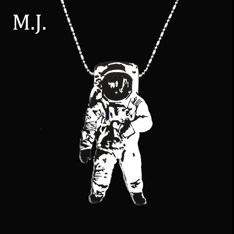 Fashion Colares Bijuterias Hip Hop Wood Astronaut Men Necklace Pendant  Beads Long Chain Necklace astronomy Jewelry Gift For Men