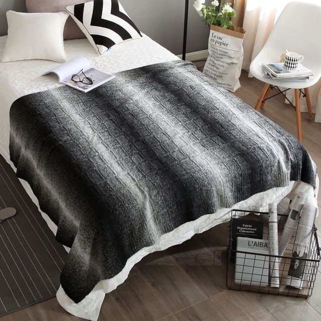 Australian Merino wool blanket trade thickening of the black and white gradient stereo Nordic knitted blanket