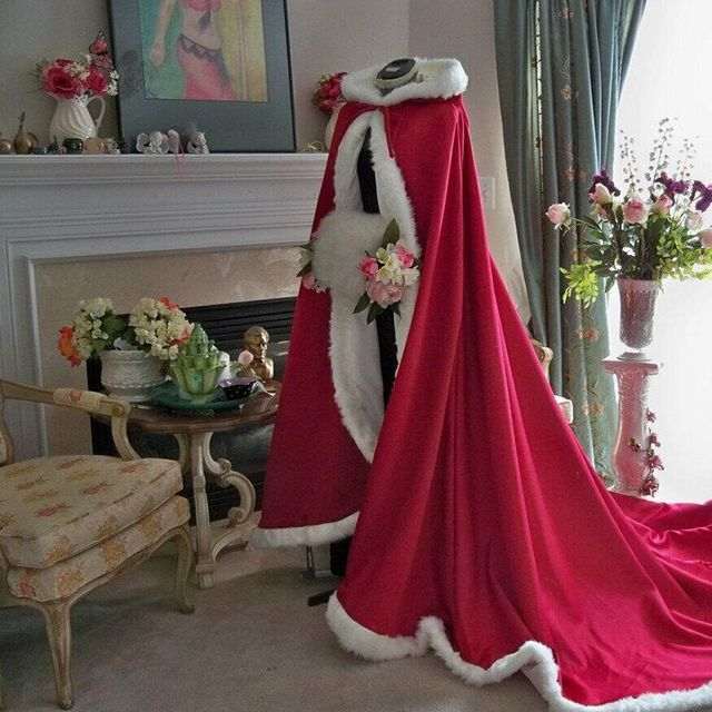 Floor Length Women Red Faux Fur Trim Winter Christmas Hooded Cape Bridal Cape Stunning Wedding Cloaks Long Party Wraps Jacket
