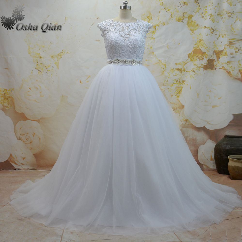 Abito sposa Princess Wedding Dresses Crystals Sash Lace Bridal Gowns Tulle Cap Sleeve Sweep Train High Quality China Made
