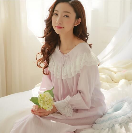 Palace lace stiching Cotton Princess Nightdress Long Pijamas Women's Nightgown Sleepwear Ladies Nightshirt negligee S206