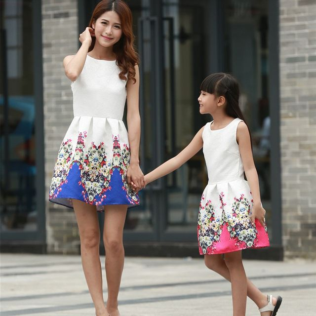 2017 Mom and Daughter Dress Family Matching Clothes for Summer Family Look Girl and Mother Dress Sleeveless Printed Girls Dress