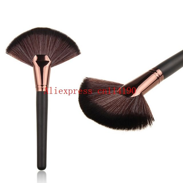 200pcs Soft Makeup large Fan Brush Foundation Blush Blusher Powder Highlighter Brush Powder Dust cleaning brushes Cosmetic tool