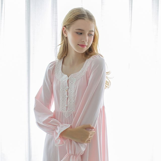 Free Shipping Autumn Vintage Royal Sleepwear 100% Long-Sleeve Cotton Nightgown Maternity Nightgown White Nightdress Female
