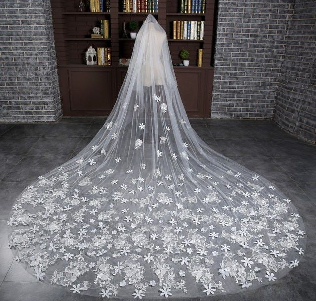 3 Meters Long New Arrival Long One Layer White Bridal Veils With Comb Appliques Flowers Wedding