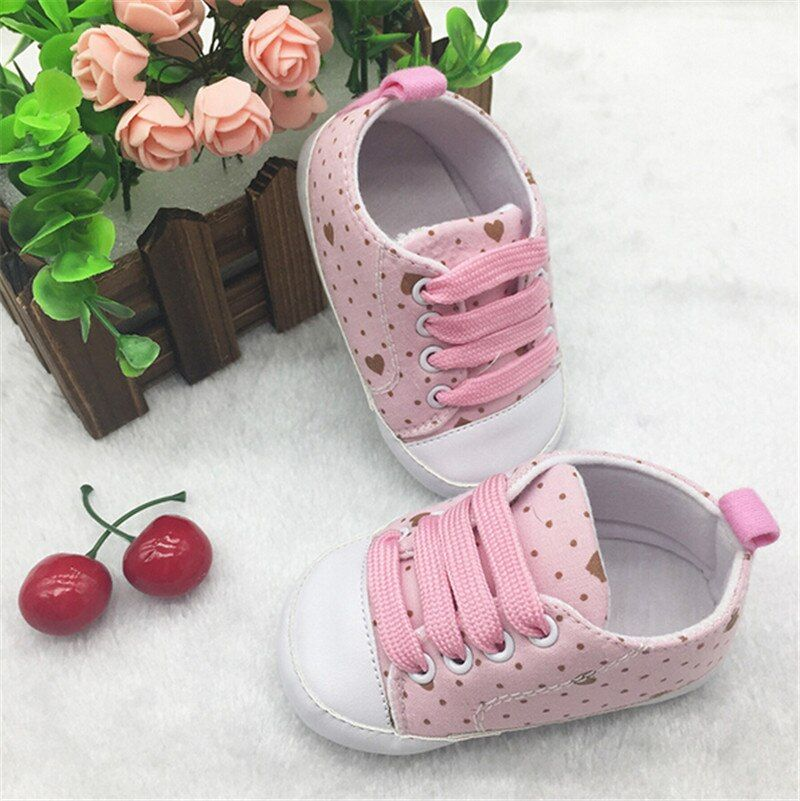 Fashion Lovely Heart Baby Shoes First Walkers Soft Sole Newborn Infants Shoes
