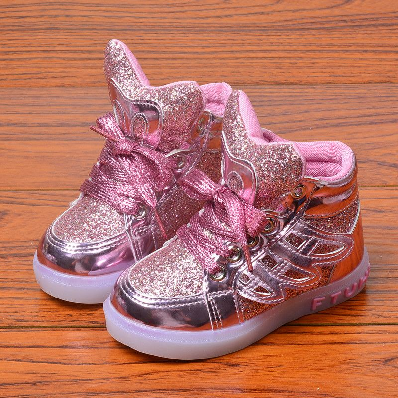 Children Shoes Girls New 2017 European Fashion Cute LED Lighting Lovely Kids Girls Sneakers High Quality Cool boy Girls Boots