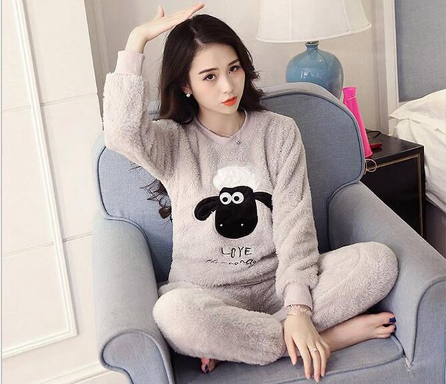 2016 Autumn And Winter Gilrs Ladies  Long Sleeves Thick Warm Soft Sherpa Suit Home Furnishing Cute Bear Biscuits Pajamas Sets