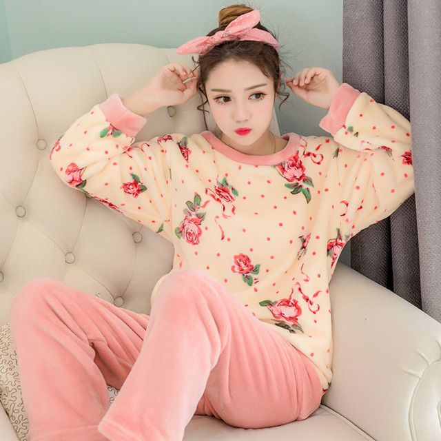New Listing Pajamas For Woman Winter Clothing Long Sleeve Home Wear Serve Women Thickening Flowers Round Neck Tracksuit