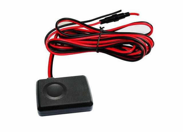 CCTR-821 vehicle GPS Tracker Mini size design for easy hidden and installation build-in memory  with retail box