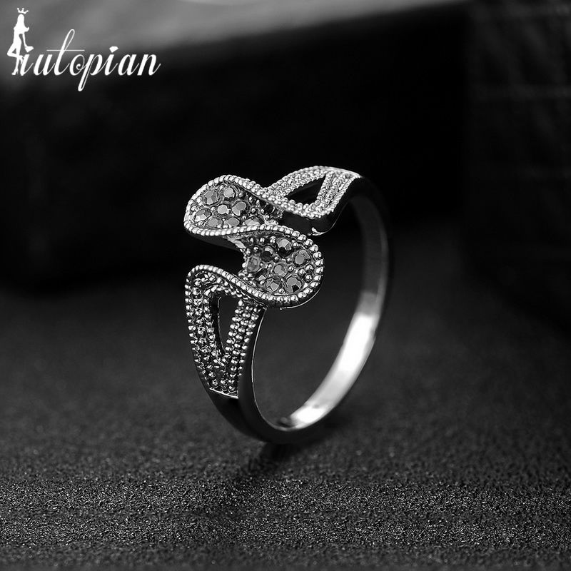 Iutopian Brand 2016 New Arrival Vintage Retro Elegant Ring Anels For Women Anti Allergy Party Ring Gift #2490
