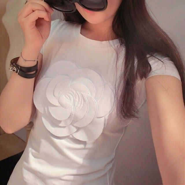 2016 Summer Ladies Fashion Tops Black White Tee Shirt Femme Slim 3d Camellia Embroidery Floral Luxury Brand T shirt Women Cotton