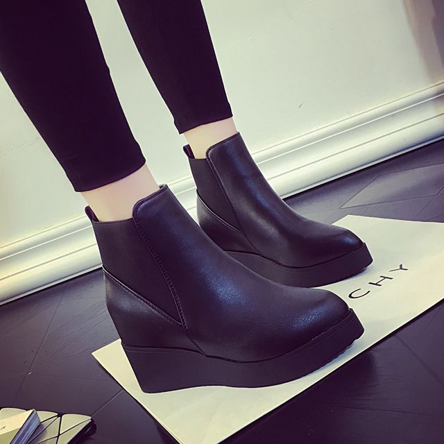 Autumn Winter Chelsea Boots PU Leather Wedges Short Martin Boots England Style Fashion Boots Women Plus Size 40 SF641