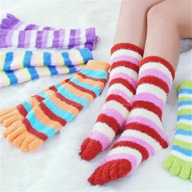 1Pair Cute Women Girls Warm Soft Stripes Five Finger Toe Socks Autumn Winter Candy Colors Women Cotton Socks Color Random