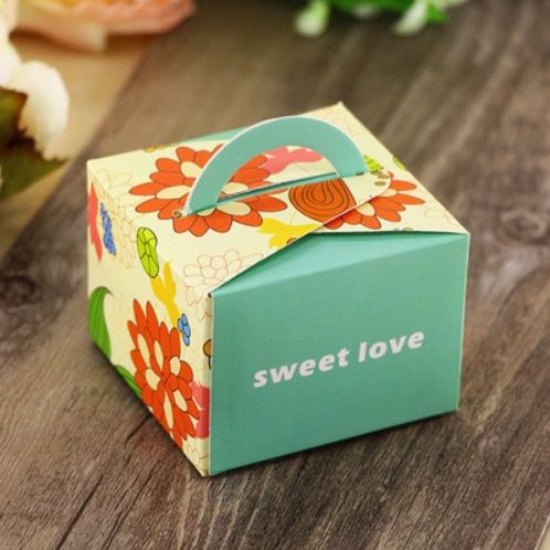 100Pcs Hot Purple Pink Red Blue Square Floral Wedding Favors Candy Boxes Bomboniera Chocolate Paper Boxes Party Gift Box