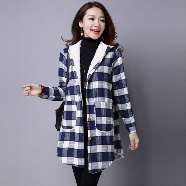 2016 winter new large size ladies plaid thicker hooded coat