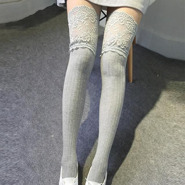 2016 European Style Lace Knee High Socks Sweet Cotton Long Sock Women Autumn Winter Fashion Striped Knitting Over Knee Stockings