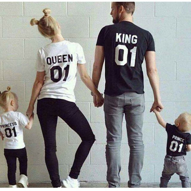 Family Matching Clothes 2017 Cotton T-shirt For Dad Mon Son Daughter Family Clothing Mother Father Baby Outfits Family Look KING