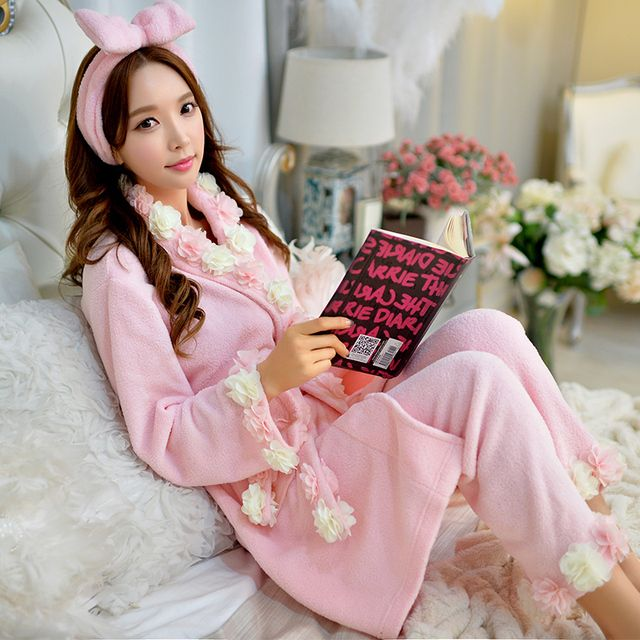 Original 2016 Brand Winter Pajamas Plus Size Flowers V Collar Belt Waist Comfortable Flannel 3 Piece Set Pajamas Women Wholesale