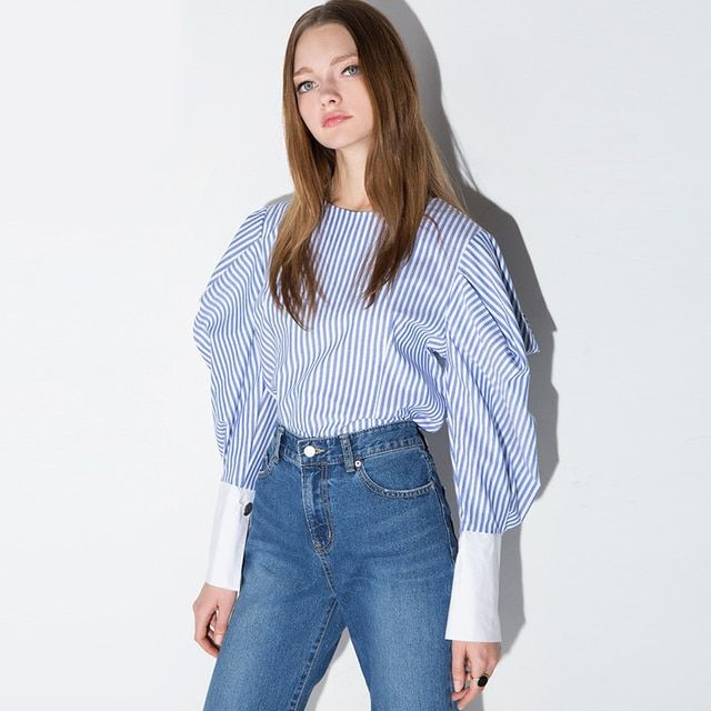 [TWOTWINSTYLE] 2017 fashion navy blue and white striped puff sleeve women t-shirt new sweet