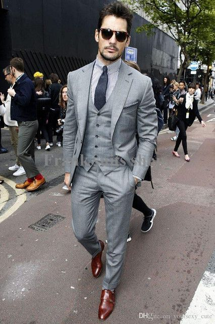 2017 Custom made Mens Light Grey Suits Fashion Formal Dress Men Suit Set men wedding suits groom tuxedos(Jacket+Pants+Vest+Tie)
