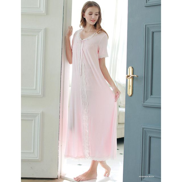 2017 New Summer Princess Nightwear Women's White and Pink Long Nightgown Modal Sleepwear Vintage Pijamas roupao feminino SA16048