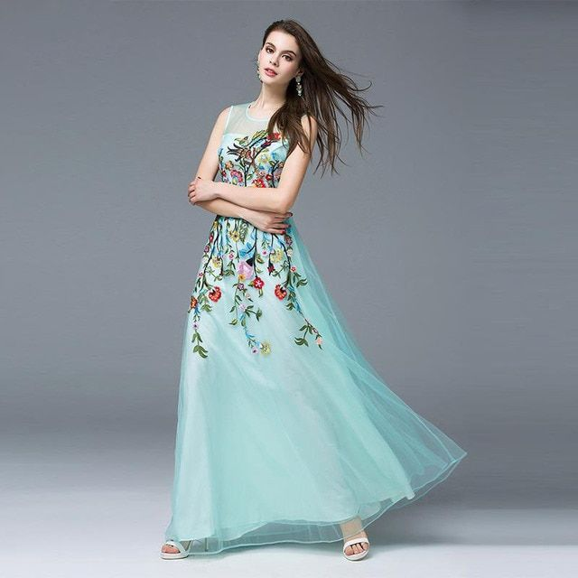 2017 New Fashion Summer Catwalk Dress Women'S Dimensional Flower Embroidery Gauze Sleeveless Dress Elegant Long Maxi Dress