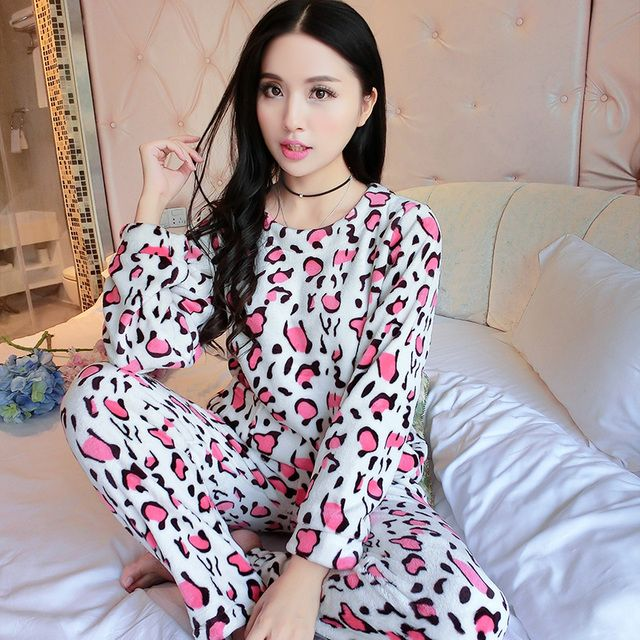 Smile Rabbit Style Autumn Winter Womens Pajama Sets Soft Thick Flannel Cartoon All In One Long Sleeve Pullover Warm Sleepwear