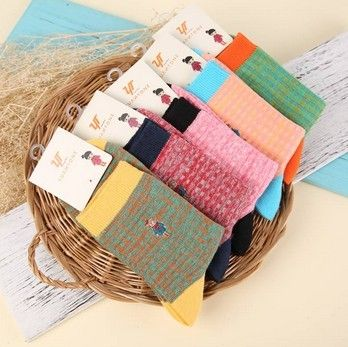 New women socks sweet embroidery socks Bamboo fiber leisure breathable absorbent cotton sunflower small Floral Nvwa 20Pair/Lot