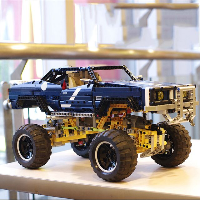 Lepin 20011 4x4 Crawler Exclusive Edition building bricks blocks Pickup Toys for children boys Game  Model RC Car Gift