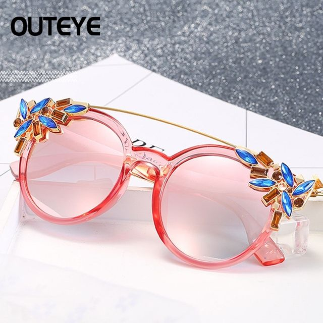 OUTEYE 2017 Luxury Brand Women Sunglasses Jewelry Flower Rhinestone Decoration Sun glasses Vintage Shades Eyewear gafas de sol