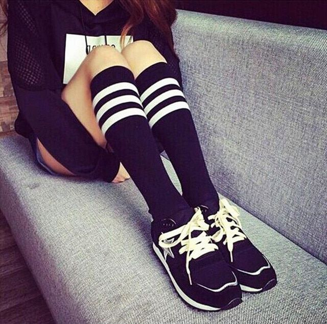 Sexy women Cotton Adult  Striped Socks Women Warm Fashion Sexy Absorbent Breathable Elastic long Socks non-slip socks QR322