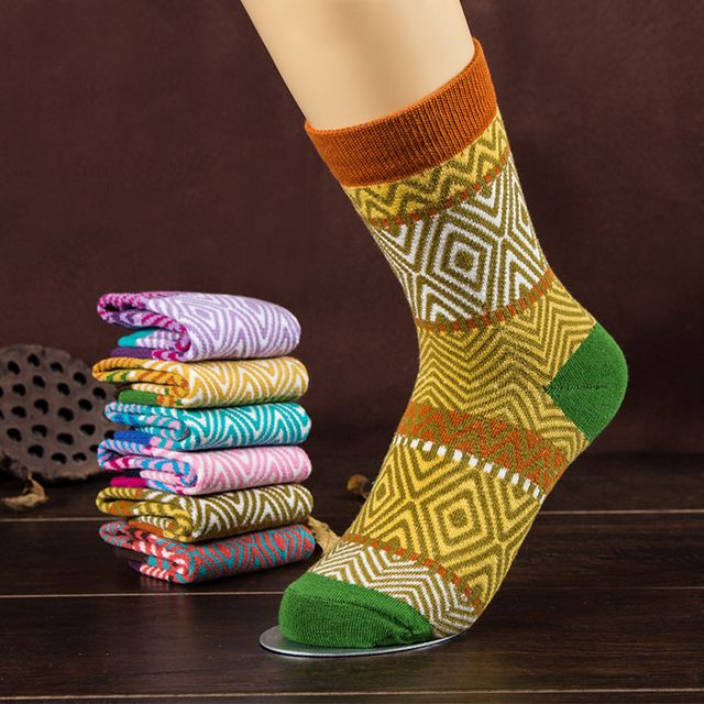 wholesale 60pairs  wmen sock Winter retro socks literary Socks wave pattern socks for women