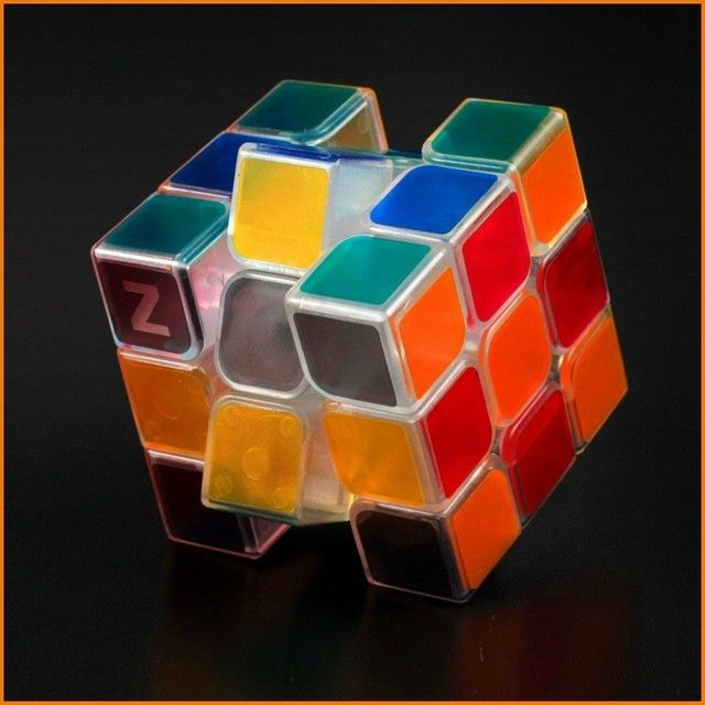 2017 New Year Sales  Light Up Magic Cube Toy Kid Puzzle Toy Free Shipping