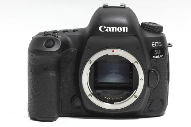 New Canon EOS 5D Mark IV 30.4MP DSLR Camera Body Only