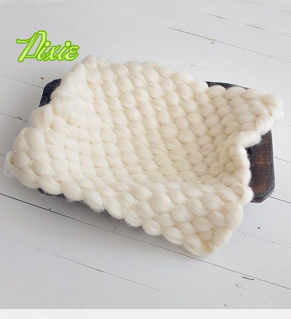 HOT 55*45cm Natural merino wool fluff Handwoven Soft Wool Newborn Baby photography props wool blanket basket filler stuffer
