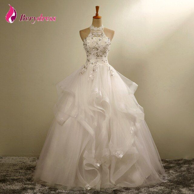 Discount Wedding Gowns Sexy Halter Neck Off the Shoulder Ruffles Tulle Lace Pearls Crystal Vintage Wedding Dresses Ball Gown
