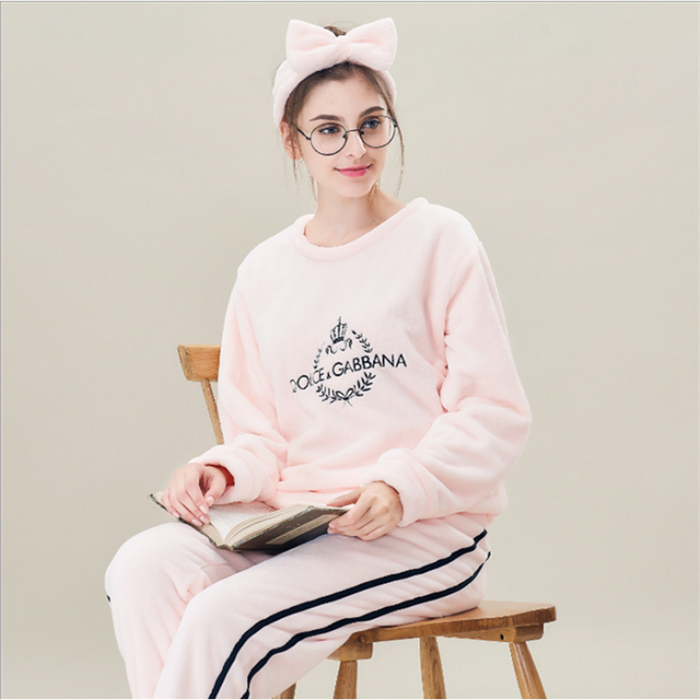 2017 Winter Brand Homewear Girl Fleece Pajama sets Ladies Casual Sleepwear suit Female O-neck collar shirts +pants +hair ribbons