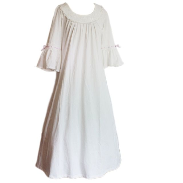Cotton 100%  white nightgown  Young Girl Long nightgdress Princess sleepwear for girl