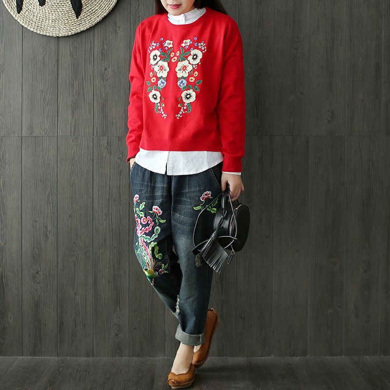 Women Autumn Floral Appliques Retro Cotton Blend Embroidered patchwork Loose knitwear pullovers Sweater Flowers Short Knitting
