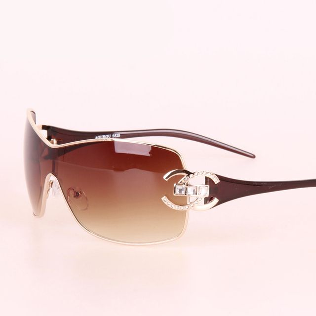 Luxury Diamond Women Sunglasses Women Brand Designer With Logo Gold Frame Goggle Sun glasses For Women Oculos De Sol Feminino