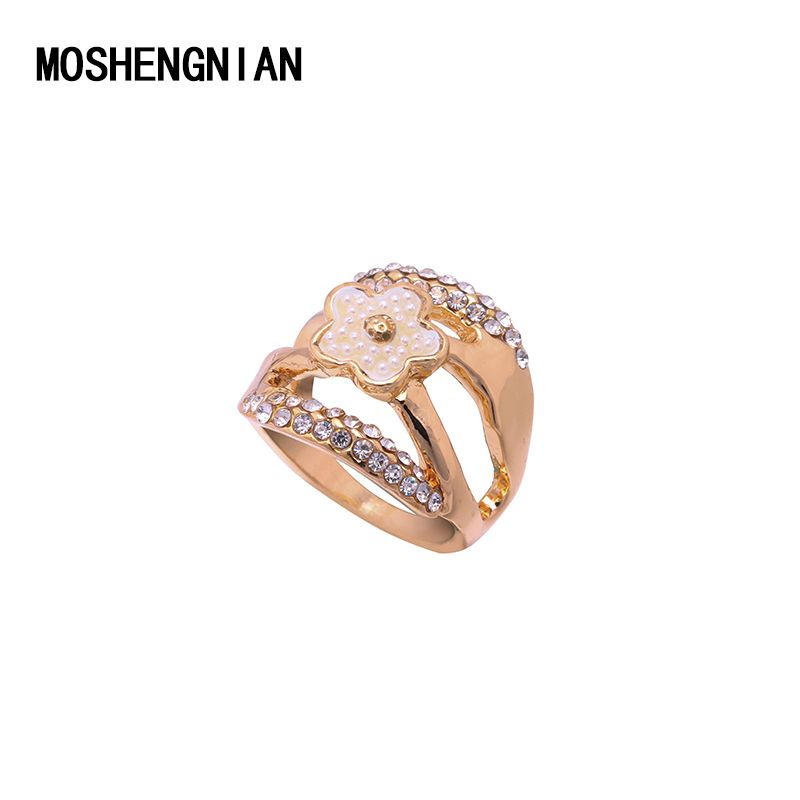 New Fashion Female Wedding Bands Jewelry Rose Gold Plate Engagement Ring for Women CZ Stone Paved Promise Rings