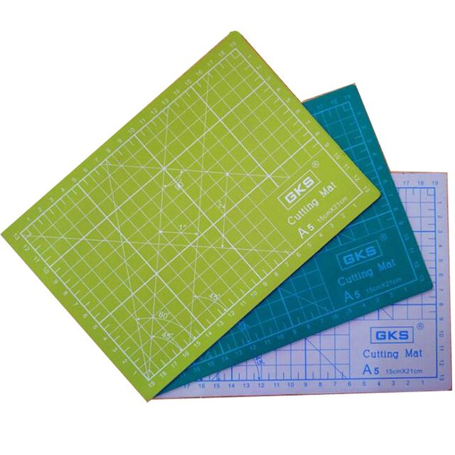 PVC Cutting Mats A5 size Durable Self-healing Cutting Pad for Office and School Cutting 15cm*21cm Cutting Plate 3 Colors Choose